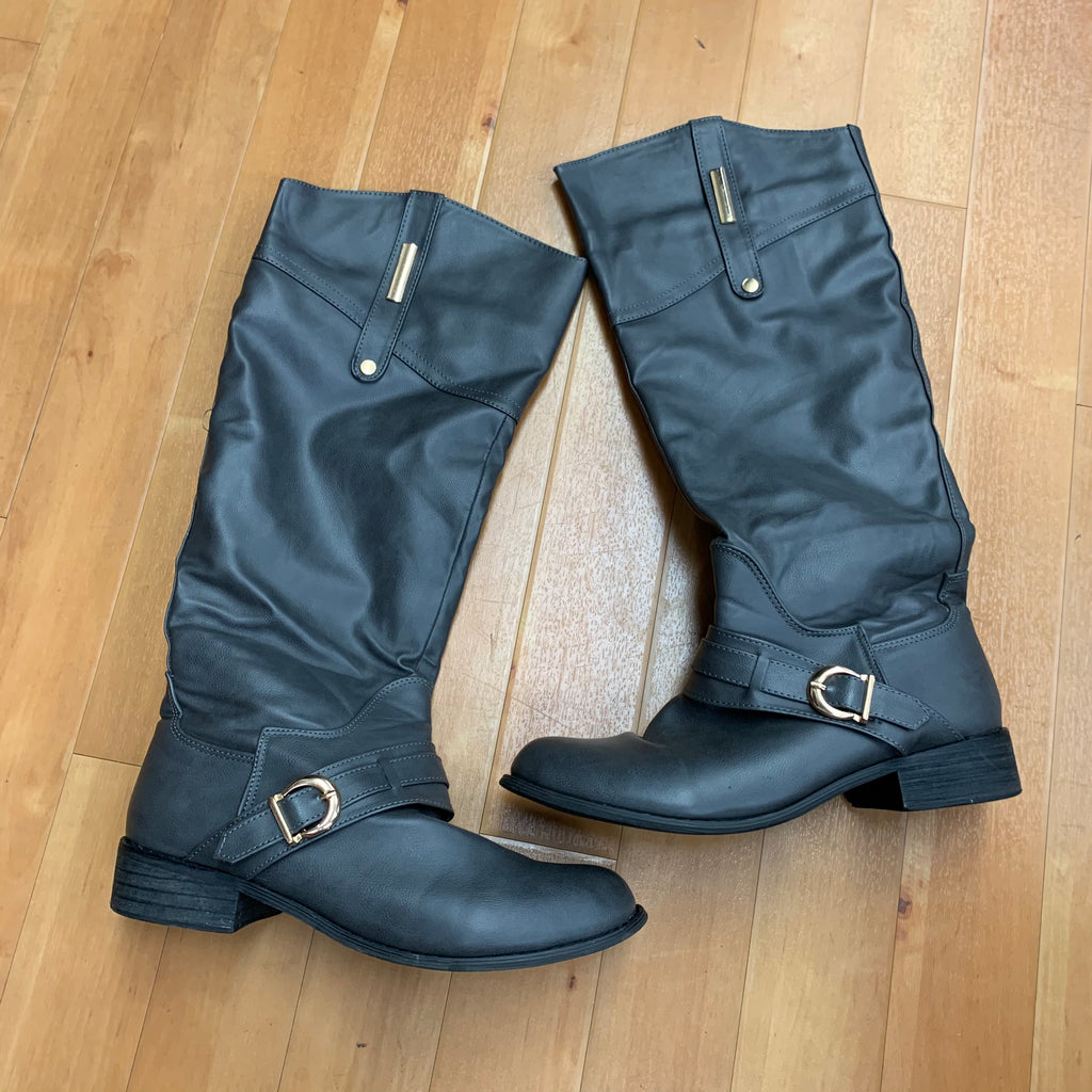 Boots Knee By Bucco  Size: 9