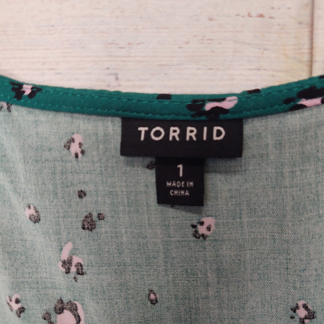 Photo #2 - BRAND: TORRID <BR>STYLE: TOP SHORT SLEEVE <BR>COLOR: GREEN <BR>SIZE: 1X <BR>OTHER INFO: PINK AND BLACK FLOWERS <BR>SKU: 257-257194-1992