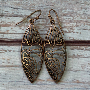 Primary Photo - BRAND:    CLOTHES MENTOR STYLE: EARRINGS COLOR: BRONZE OTHER INFO: 1928 - LEAF DESIGN SKU: 257-257194-2247