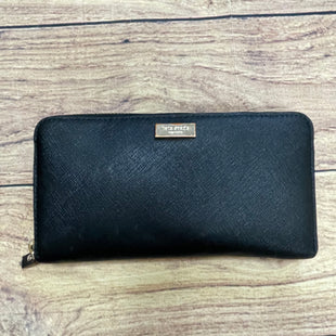 Primary Photo - BRAND: KATE SPADE STYLE: WALLET COLOR: BLACK SIZE: LARGE OTHER INFO: LOGO PLACARD TARNISHED SKU: 257-25748-6393