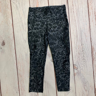 Athletic Capris By Under Armour  Size: S - BRAND: UNDER ARMOUR STYLE: ATHLETIC CAPRIS COLOR: PRINT SIZE: S OTHER INFO: BLACK/WHITE/ ELECTRICITY SKU: 257-257183-2103