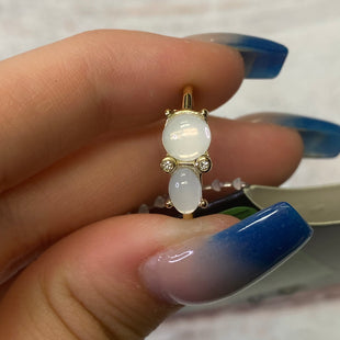 Primary Photo - BRAND:    CLOTHES MENTOR STYLE: RING COLOR: WHITE OTHER INFO: GOLD 2 CIRCLES 5.5 SKU: 257-25797-958