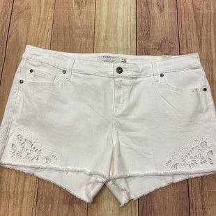 Primary Photo - BRAND: TORRID STYLE: SHORTS COLOR: WHITE SIZE: 18 SKU: 257-25774-13530