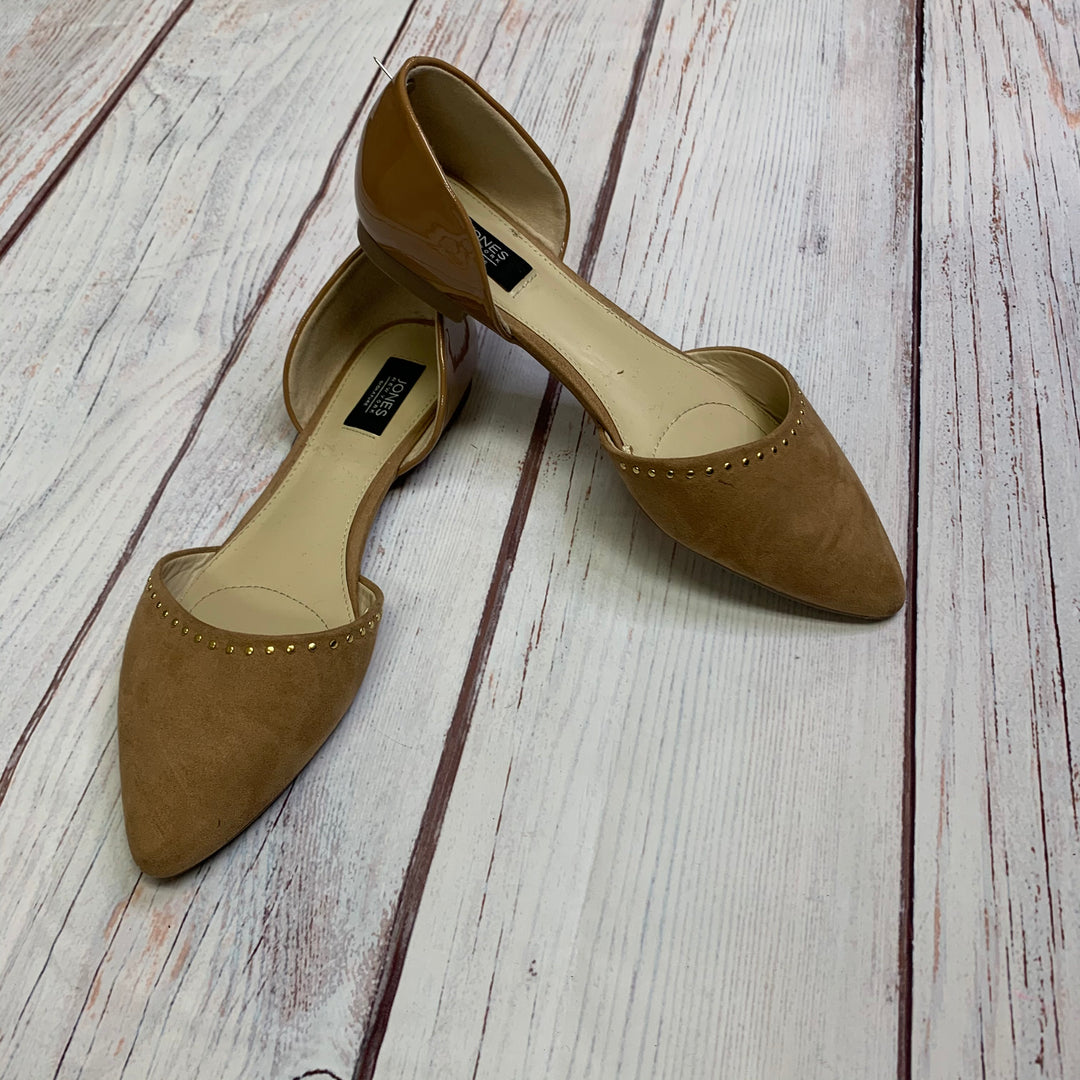 Primary Photo - BRAND: JONES NEW YORK <BR>STYLE: SHOES FLATS <BR>COLOR: TAN <BR>SIZE: 8.5 <BR>OTHER INFO: PEN MARK NOTED IN PRICE <BR>SKU: 257-257100-1022
