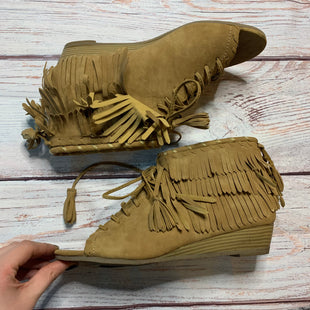 Primary Photo - BRAND: BUCCO STYLE: BOOTS ANKLE COLOR: CAMEL SIZE: 9 OTHER INFO: OPEN TOE W/FRINGE SKU: 257-257180-1488