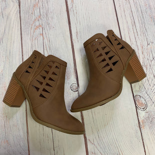 Primary Photo - BRAND:    ELEGANT FOOTWEARSTYLE: BOOTS ANKLE COLOR: BROWN SIZE: 7.5 OTHER INFO: ELEGANT FOOTWEAR - SKU: 257-25774-16345
