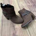Boots Ankle By Old Navy  Size: 8 - BRAND: OLD NAVY <BR>STYLE: BOOTS ANKLE <BR>COLOR: BROWN <BR>SIZE: 8 <BR>OTHER INFO: LEATHER STRAPS <BR>SKU: 257-257100-110