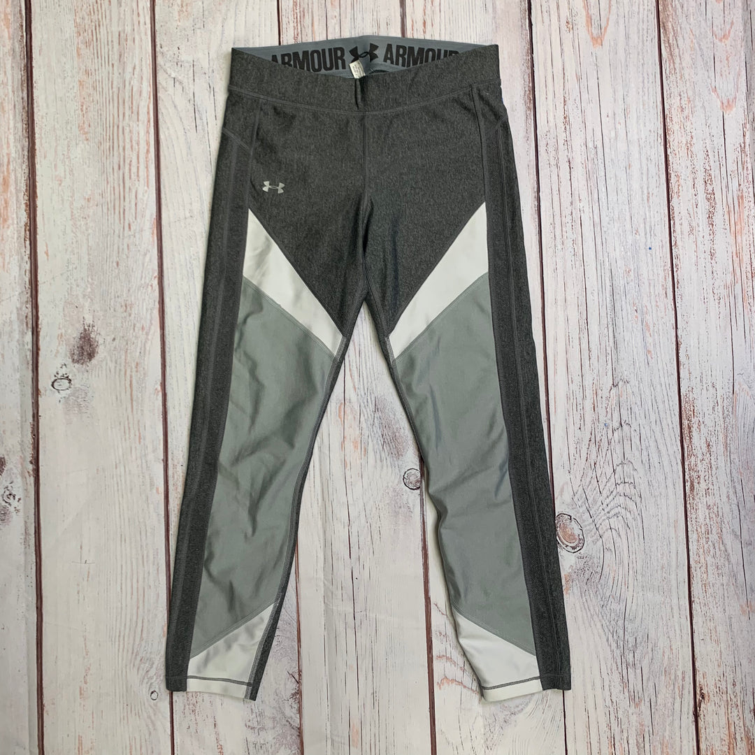 Athletic Capris By Under Armour  Size: M - BRAND: UNDER ARMOUR <BR>STYLE: ATHLETIC CAPRIS <BR>COLOR: GREY WHITE <BR>SIZE: M <BR>SKU: 257-257183-2283