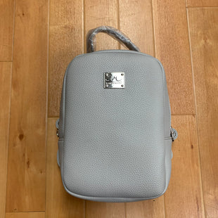 Primary Photo - BRAND:  JESSICA MOORESTYLE: LEATHER BACKPACK COLOR: GREY SIZE: MEDIUM OTHER INFO: JESSICA MOORE - NEW! SKU: 257-257183-2554
