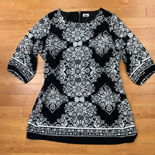 Primary Photo - BRAND: OLD NAVY STYLE: DRESS SHORT SHORT SLEEVE COLOR: BLACK SIZE: XXL OTHER INFO: WHITE PATTERN ZIPPER ON BACK SKU: 257-257100-920