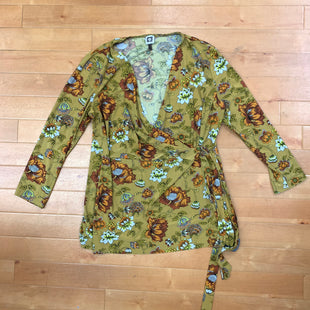 Top Long Sleeve By Anne Klein  Size: Xl - BRAND: ANNE KLEIN STYLE: TOP LONG SLEEVE COLOR: MUSTARD SIZE: XL OTHER INFO: WITH FLOWERS SKU: 257-257183-2185