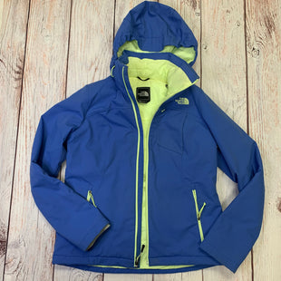 Jacket Outdoor By Northface  Size: M - BRAND: NORTHFACE STYLE: JACKET OUTDOOR COLOR: BLUE SIZE: M OTHER INFO: NEON YELLOW LINING SKU: 257-257100-995