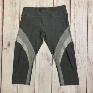 Athletic Capris By Calvin Klein  Size: Xl - BRAND: CALVIN KLEIN STYLE: ATHLETIC CAPRIS COLOR: GREY SIZE: XL OTHER INFO: 3 COLORS OF GREY SKU: 257-25786-5327