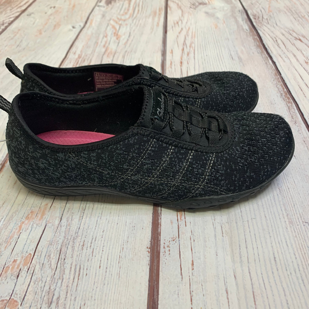 Shoes Athletic By Skechers  Size: 6.5 - BRAND: SKECHERS <BR>STYLE: SHOES ATHLETIC <BR>COLOR: GREY <BR>SIZE: 6.5 <BR>SKU: 257-25748-5558