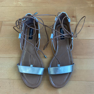 Primary Photo - BRAND: WHITE HOUSE BLACK MARKET STYLE: SANDALS FLAT COLOR: BROWN SIZE: 6 OTHER INFO: WHITE/SILVER- LACES SKU: 257-25774-13377