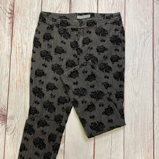 Primary Photo - BRAND: CHICOS STYLE: JEANS COLOR: GREY SIZE: 12 OTHER INFO: BLACK FLORAL PATTERN SKU: 257-257194-646