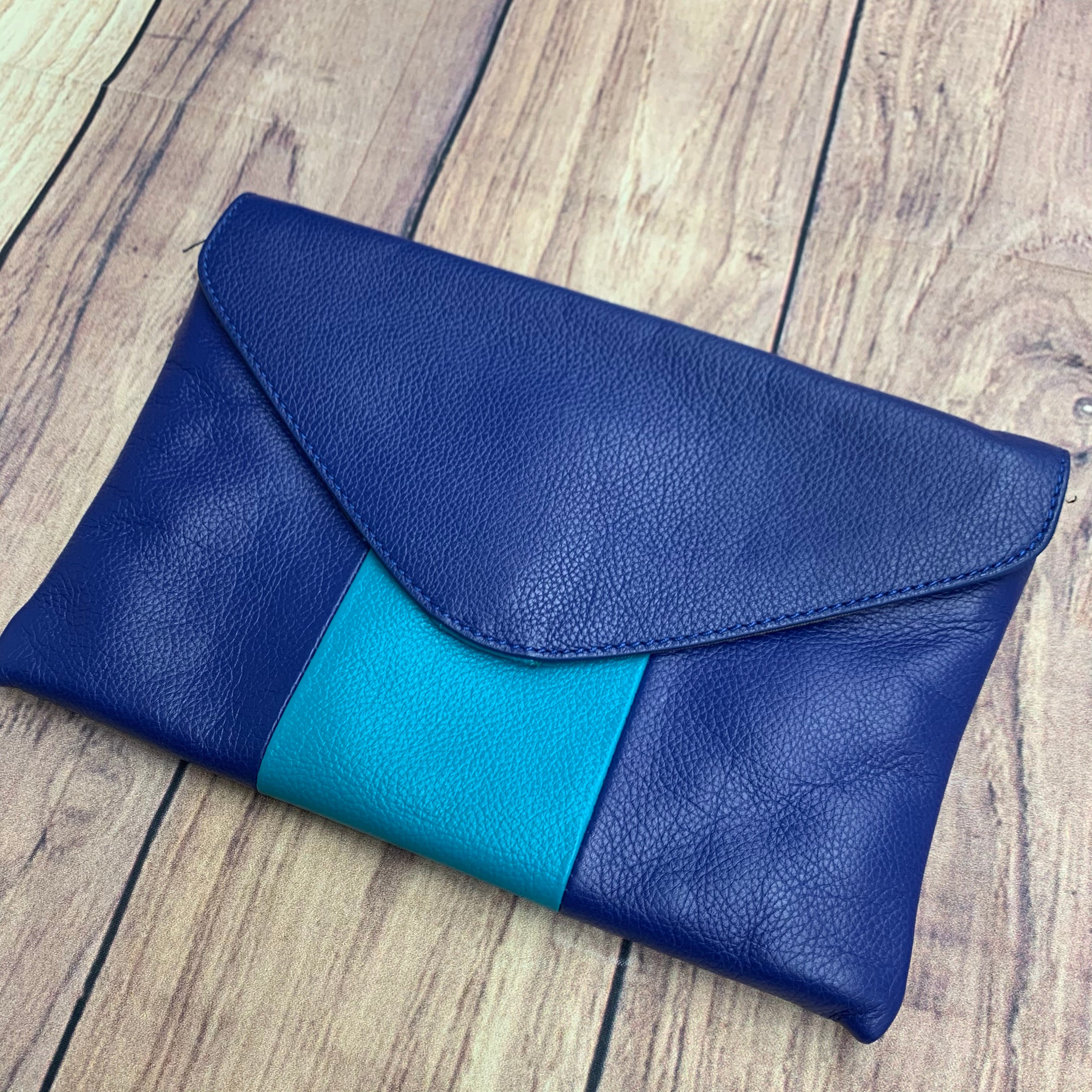 Primary Photo - BRAND: J CREW <BR>STYLE: CLUTCH <BR>COLOR: BLUE GREEN <BR>SKU: 257-25748-6173