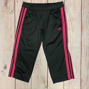 Primary Photo - BRAND: ADIDAS STYLE: ATHLETIC CAPRIS COLOR: GREY SIZE: M OTHER INFO: PINK SKU: 257-25774-16405