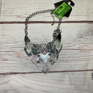 Primary Photo - BRAND:    CLOTHES MENTOR STYLE: NECKLACE COLOR: METALLIC OTHER INFO: GUNMETAL SKU: 257-257100-1752