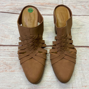 Primary Photo - BRAND: UNIVERSAL THREAD STYLE: BOOTS ANKLE COLOR: TAN SIZE: 9.5 OTHER INFO: SLIP-INS SKU: 257-257100-1670