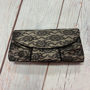 Primary Photo - BRAND:    CLOTHES MENTOR STYLE: CLUTCH COLOR: FLORAL OTHER INFO: BLACK AND TAN LACE SKU: 257-25758-842