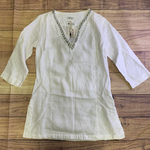 Primary Photo - BRAND:   MALVINSTYLE: DRESS SHORT LONG SLEEVE COLOR: WHITE SIZE: M OTHER INFO: MALVIN - CRYSTAL NECKLINE-NEW! SKU: 257-257180-657R
