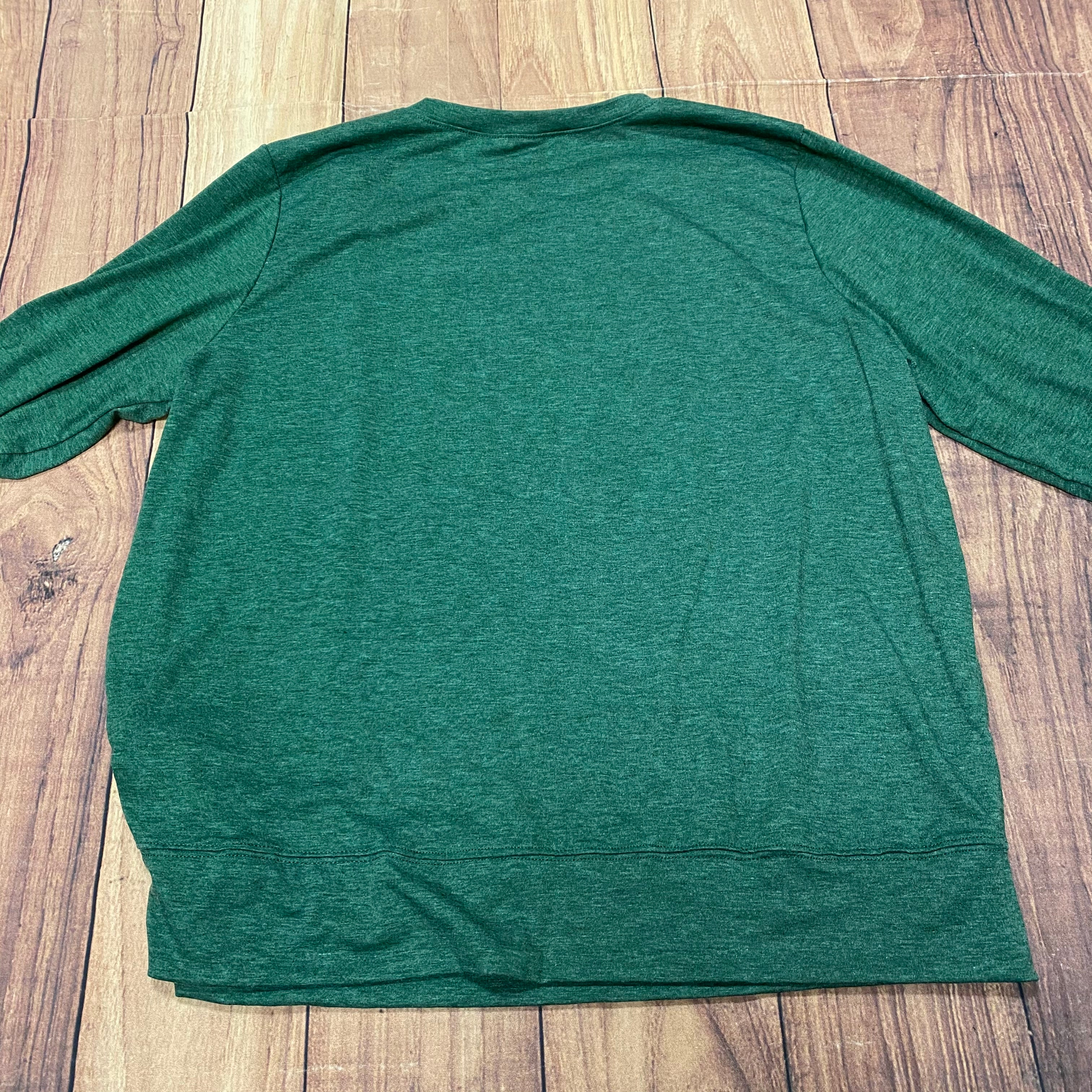 Photo #2 - BRAND: N/A<BR>STYLE: TOP LONG SLEEVE <BR>COLOR: WHITE GREEN <BR>SIZE: 2X <BR>OTHER INFO: PAW PRINT <BR>SKU: 257-25774-16383