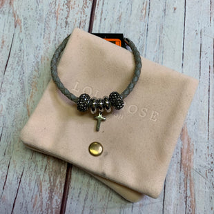 Primary Photo - BRAND:    CLOTHES MENTOR STYLE: BRACELET COLOR: SILVER OTHER INFO: GREY ROPE/STAINLESS STEEL SKU: 257-25774-16633