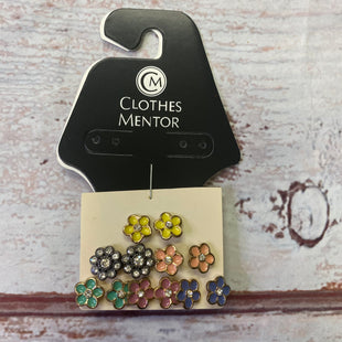 Primary Photo - BRAND:    CLOTHES MENTOR STYLE: EARRINGS COLOR: MULTI SIZE: 06 PIECE SET OTHER INFO: MULTIPLE EARRINGS SKU: 257-25797-956