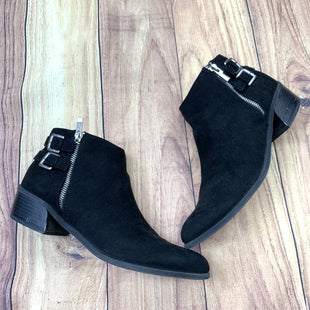 Primary Photo - BRAND: ITALIAN SHOEMAKERS STYLE: BOOTS ANKLE COLOR: BLACK SIZE: 9.5 OTHER INFO: SLIGHT WEAR ON HEEL SKU: 257-25748-5883