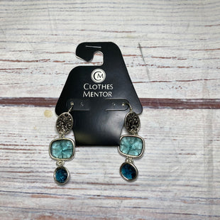 Primary Photo - BRAND:    CLOTHES MENTOR STYLE: EARRINGS COLOR: BLUE OTHER INFO: THREE TIER STONE SKU: 257-257100-1760