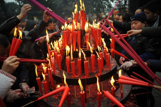 Chinese Praying Joss Candle in Malaysia: A Complete Information - JinPaper