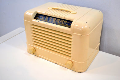 Parlor Ivory Vintage 1940 RCA Victor 12X2 Vacuum Tube AM Radio Sweet and Swanky! - [product_type} - RCA Victor - Retro Radio Farm