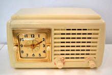 Load image into Gallery viewer, Carrara White Plaskon 1946 General Electric Model 50 Retro AM Vacuum Tube Clock Radio Works and Looks Great!