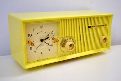 Citron Yellow 1957-58 Motorola Model 5C22Y Vacuum Tube AM Clock Radio Yellow Alert!