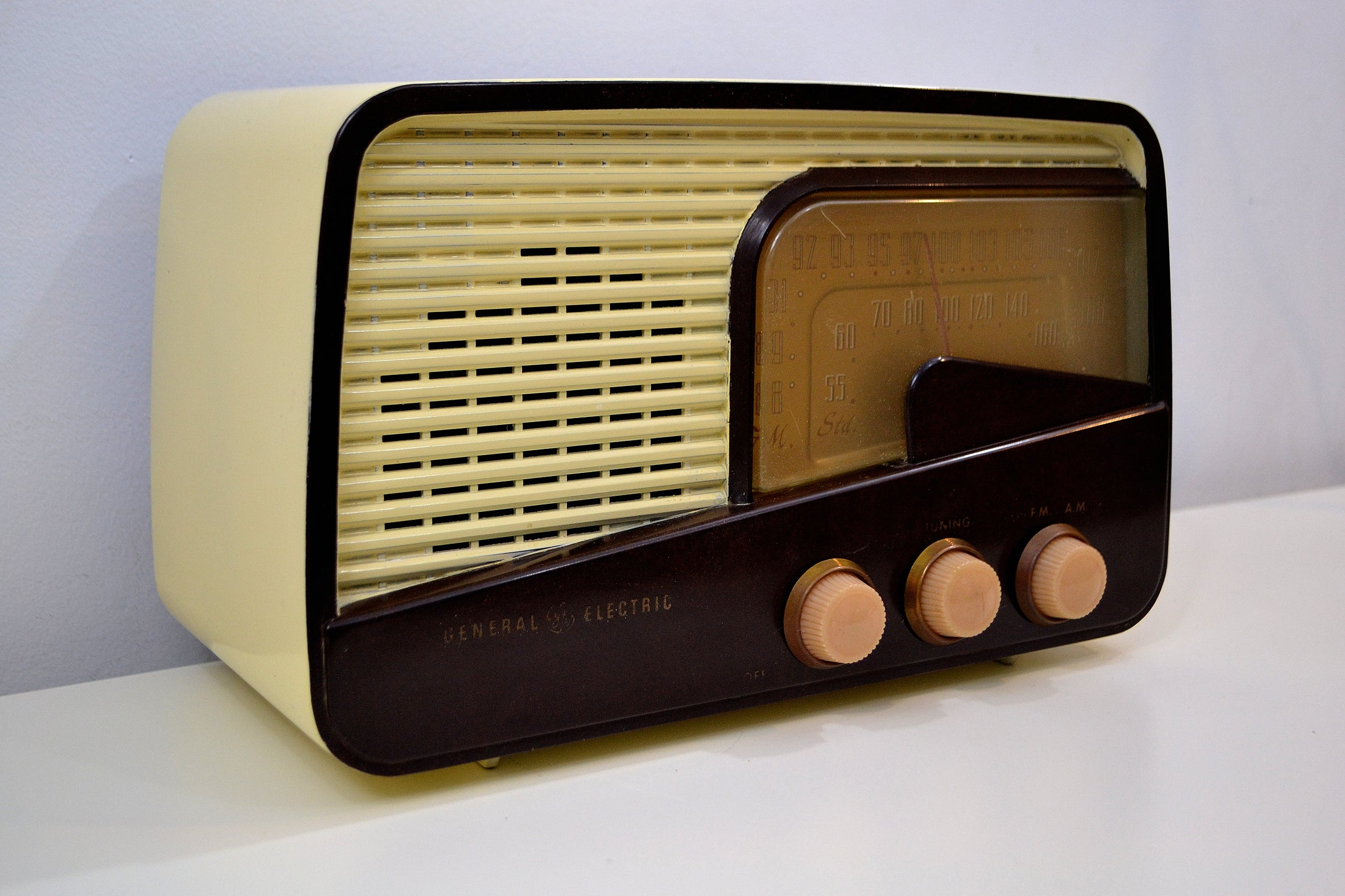 SOLD! - Jan. 22, 2020 - Cabana Ivory 1951 General Electric Model 218 AM FM Radio Works and Looks Great! - [product_type} - General Electric - Retro Radio Farm
