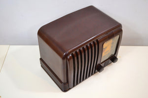 SOLD! - Feb. 2, 2020 - Wondrous Walnut Brown Bakelite 1939 RCA Victor Model 45-X-11 AM Tube Radio Fine Looking Great Sounding! - [product_type} - RCA Victor - Retro Radio Farm