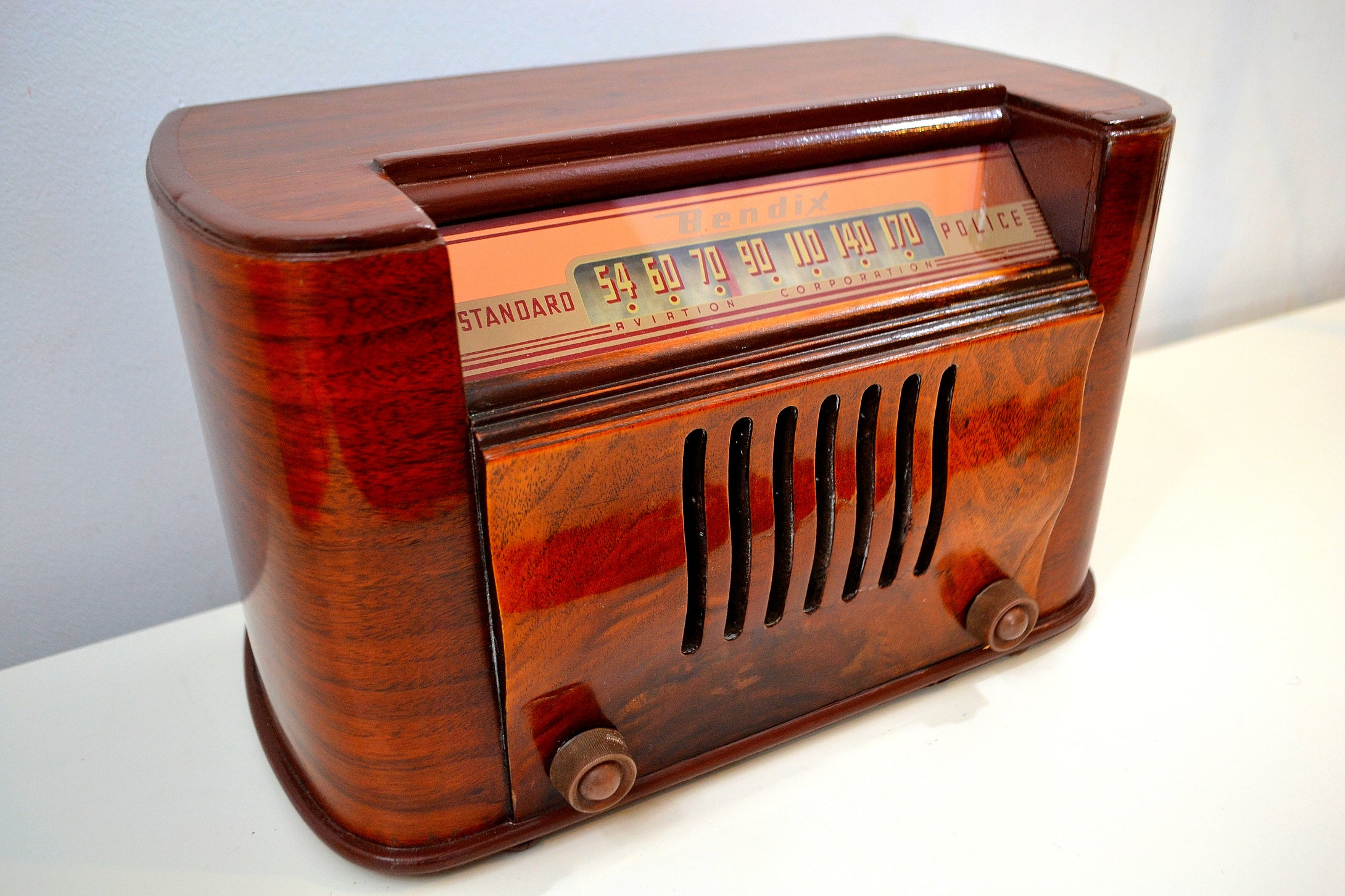 Flame Burl Scroll Front Wood 1946 Bendix Model 526E AM Tube Radio Drop Dead Gorgeous! - [product_type} - Bendix Aviation - Retro Radio Farm