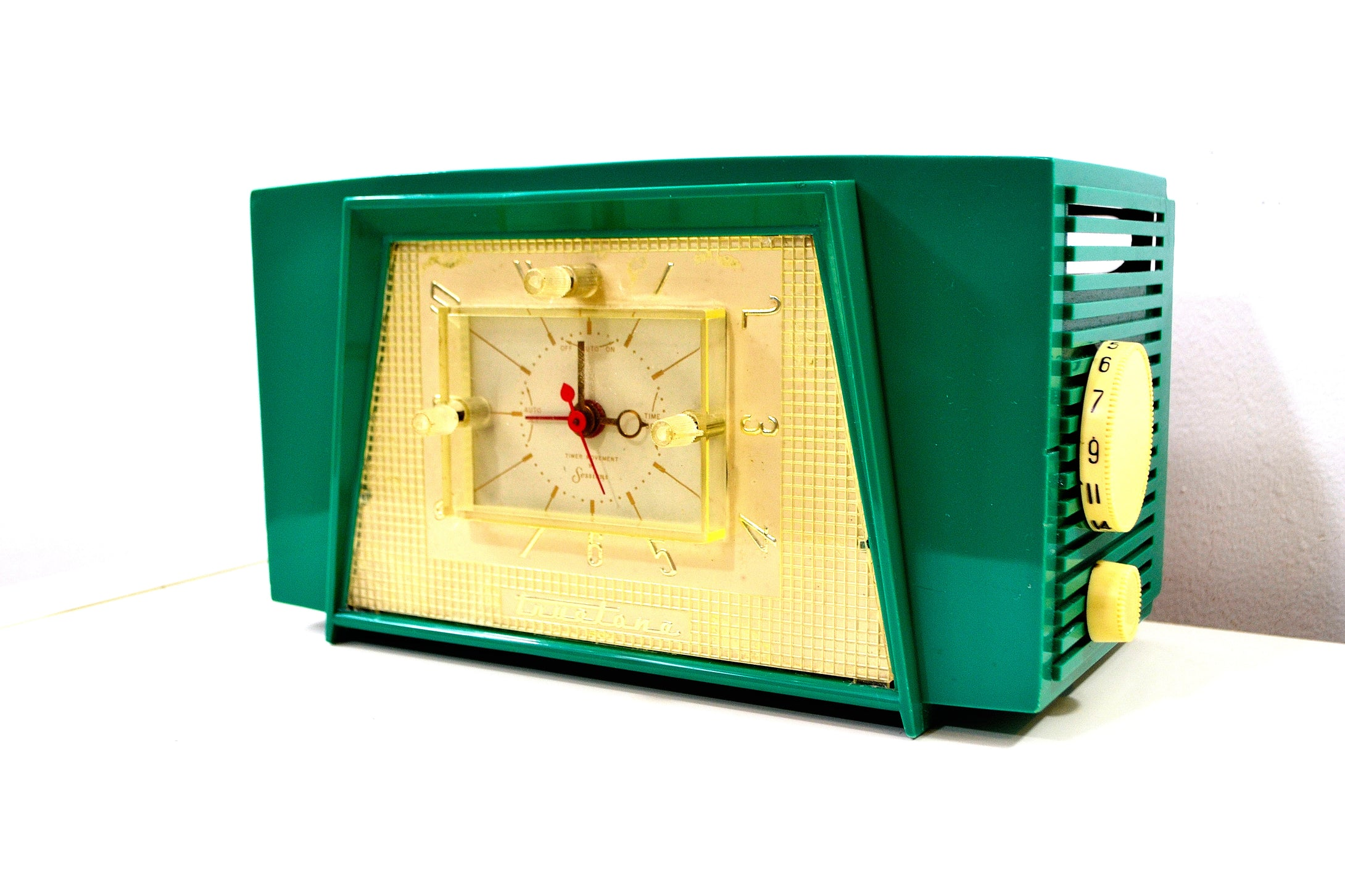 Meadow Green Vintage Truetone Model D2585 AM Tube Radio - [product_type} - Truetone - Retro Radio Farm