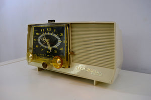 Cream Vintage 1959 RCA Victor C-4E AM Clock Tube Radio - [product_type} - RCA Victor - Retro Radio Farm