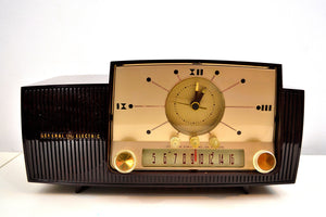 Burgundy Brown 1957 General Electric Model 912 Vacuum Tube AM Clock Radio Solid Player Lovely Swirl! - [product_type} - General Electric - Retro Radio Farm