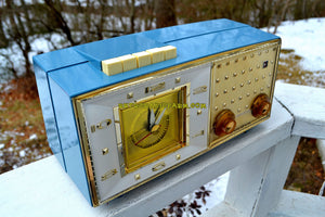 SOLD! - June 23, 2018 - DAKOTA BLUE Mid Century Retro Vintage 1959 Bulova Model 190 Tube AM Clock Radio Looks Spectacular!