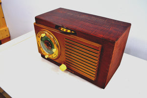 SOLD! - March 13, 2019 - Elegant Wood Grain Art Deco 1950 General Electric Model 521 Clock Radio Totally Restored! - [product_type} - General Electric - Retro Radio Farm