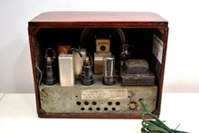Load image into Gallery viewer, SOLD! - Mar 7, 2020 - Beautiful Wood 1938 RCA Victor Model 95T5 Vacuum Tube Radio Pre-War Crooner! - [product_type} - RCA Victor - Retro Radio Farm