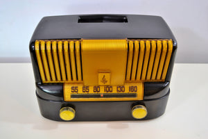 "SOLD - March 4, 2019 - ""THE MODERNE"" 1949 Emerson Model 561A Black Bakelite AM Tube Radio Golden Age Beauty! - [product_type} - Emerson - Retro Radio Farm"