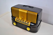 "Load image into Gallery viewer, SOLD - March 4, 2019 - ""THE MODERNE"" 1949 Emerson Model 561A Black Bakelite AM Tube Radio Golden Age Beauty! - [product_type} - Emerson - Retro Radio Farm"