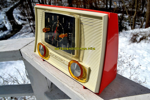 CHINOOK PINK 1957 RCA Victor Model 3RD49 AM Tube Clock Radio Totally Restored Works Great!