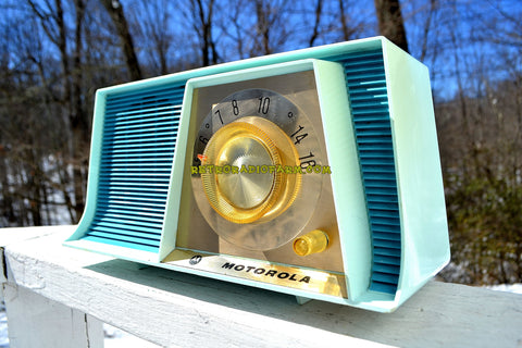 TUXEDO BLUE Mid Century Retro 1962 Motorola A17B3 Tube AM Radio Cool Model Rare Color! Near Mint!