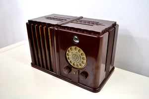 Gothic Style 1938 Wards Airline Model 62-476 AM Bakelite Tube Radio Totally Restored! - [product_type} - Airline - Retro Radio Farm