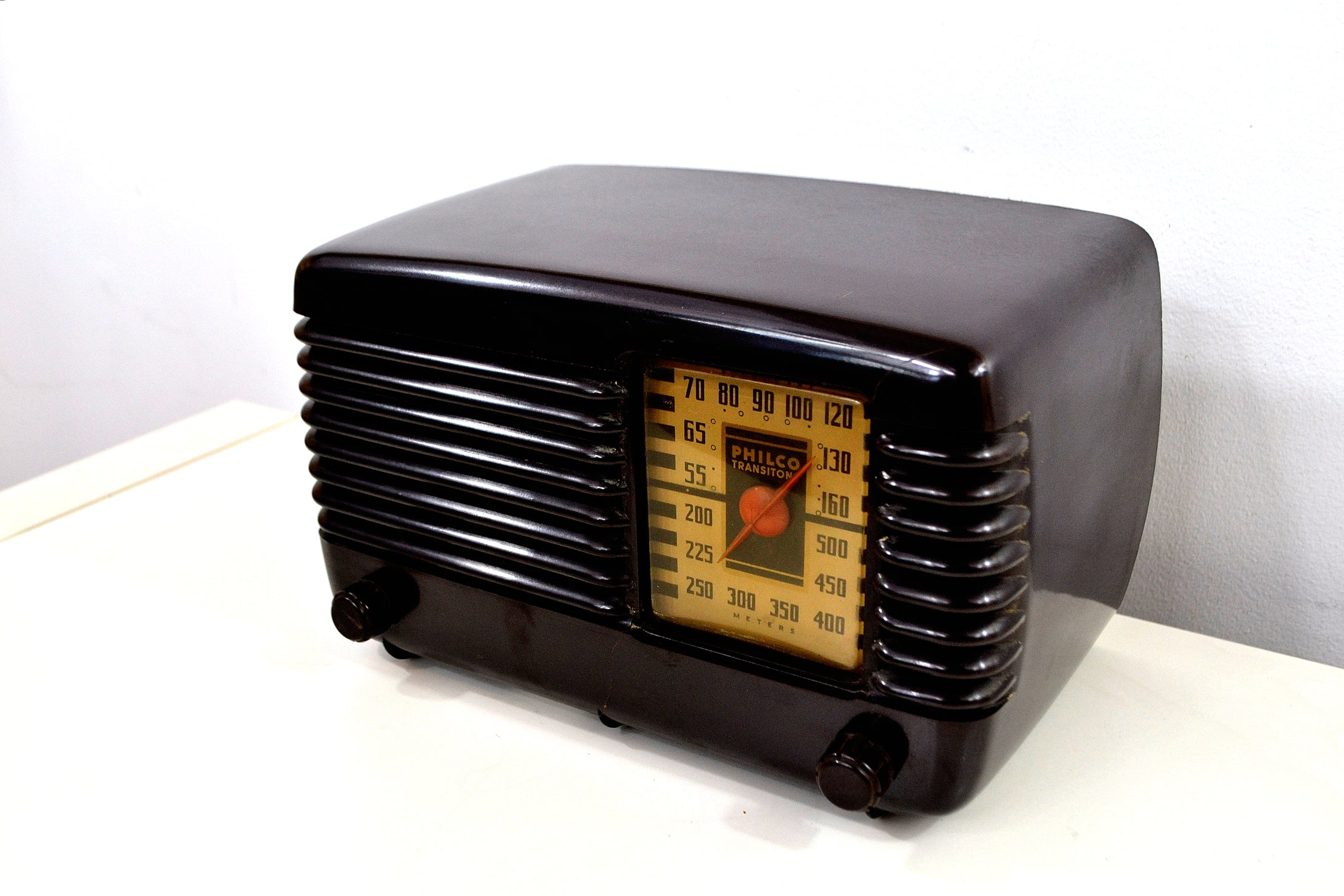 SOLD! - May 27, 2019 - Art Deco Brown Bakelite Vintage 1946 Philco Transitone 46-200 AM Radio Popular Design Back In Its Day! - [product_type} - Philco - Retro Radio Farm